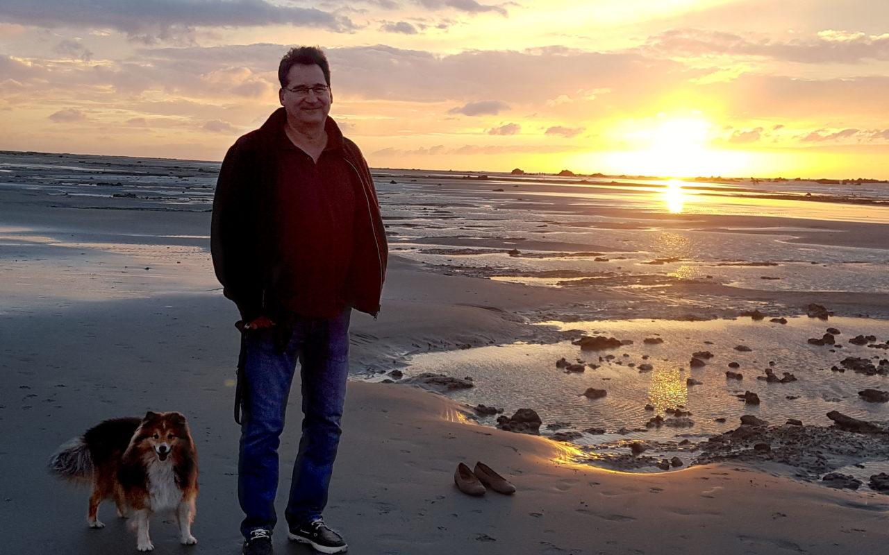 Bellomondo macht Ferien - Marc und Ilvy am Strand